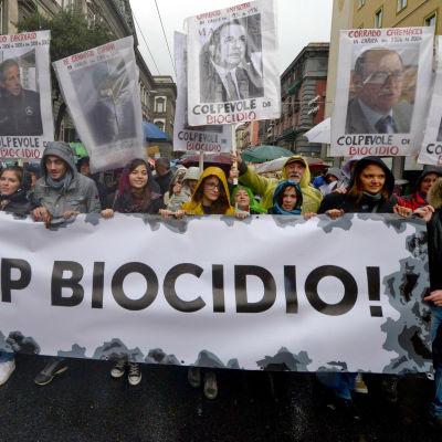 Demonstration i Neapel år 2013 mot dumpning av giftigt avfall.