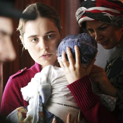 Hadas Yaron on Shira elokuvassa Sydämellä on syynsä
