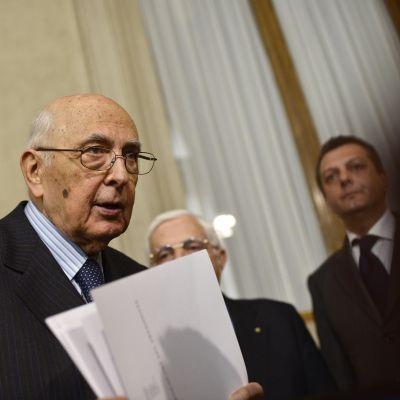 Giorgio Napolitano vid en presskonferens 30.03.2013.