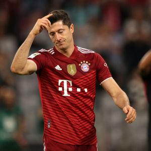 Bayernin maalihirmu Robert Lewandowski jäi toisen kerran maalitta tällä kaudella.
