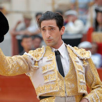 Adrien Brody on härkätaistelija Manolete samannimisessä elokuvassa