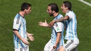 Lionel Messi, Gonzalo Higuain och Angel di Maria firar.