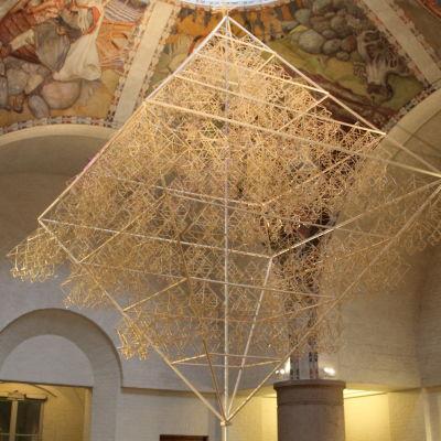 Världens största halmhimmel i Finlands Nationalmuseum
