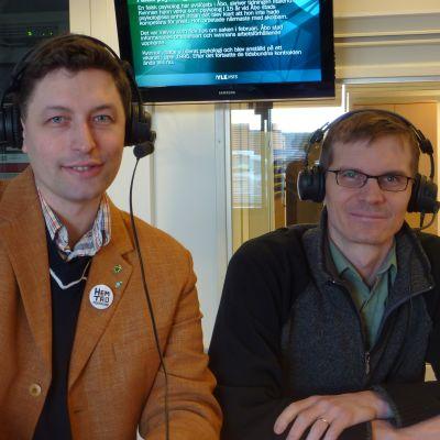 Niklas Andersson och Kristian von Essen debatterar i Vega Västnylands studio