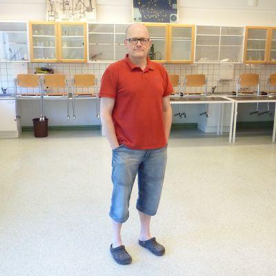 Rektor Martin Kevin i Höjdens skola.