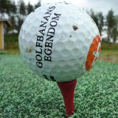 Golfboll på Eke-golf