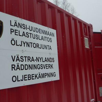 Västra Nylands räddningsverks oljebekämpningscontainer