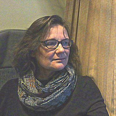Elisabeth Kajander pendlar till jobbet