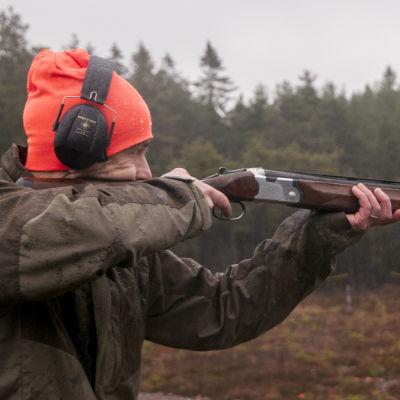 Henrik Holmberg skjuter