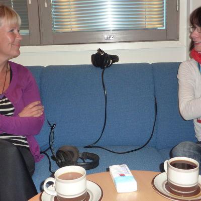 Birgitta Udd och Melinda Lönnberg.