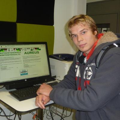 Ekenäsbon Jonathan Berg söker jobb eller studieplats i regionen