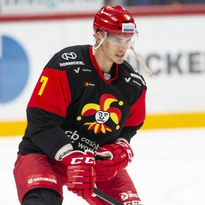 Oliver Lauridsen jäällä.