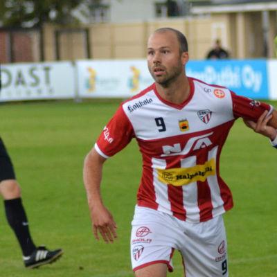 David Carlsson spelar fotboll i GBK.