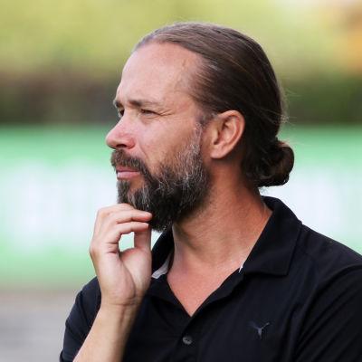Lukas Syberyjski får foten från IFK Mariehamn.