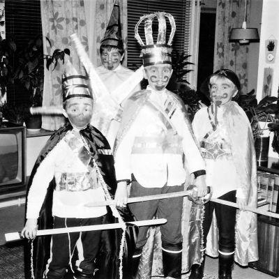 Tiernapojat vuonna 1968: Herodes: Mikko Huotarinen. Murjaani:Jorma Halonen. Knihti: Osmo Halonen. Mänkki: Reijo Immonen