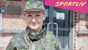 Marika Teini i arméns kläder.