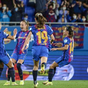 Barcelona juhli maalia ottelussa Arsenalia vastaan.