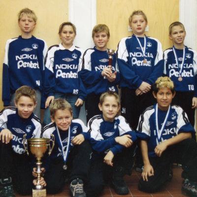 Rasmus Schüller med sina lagkamrater i HooGee.