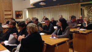 Kronoby kommunfullmäktige i mötessalen