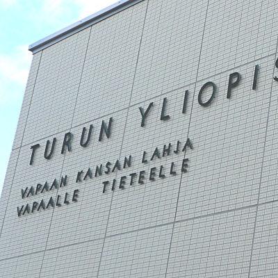 Åbo universitets huvudbyggnad.