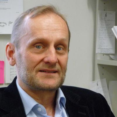 Professor Lauri Karvonen,  Åbo Akademi
