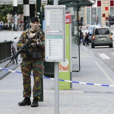 Evakuering av centralstationen efter misstänkt hot i Bryssel 19.6.2016.