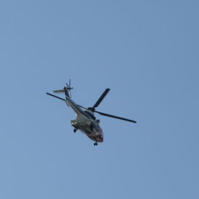 Räddningshelikopter.