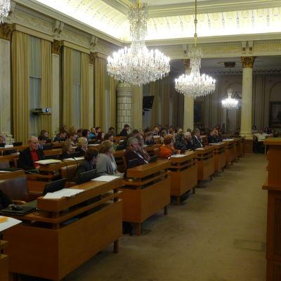 Åbofullmäktige i stadshuset.