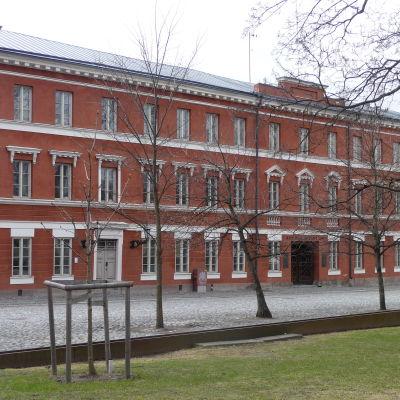 Katedralskolan i Åbo finns vid Gamla Stortorget.
