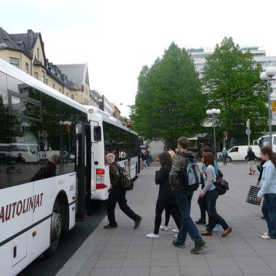Busshållplats på torget i Åbo