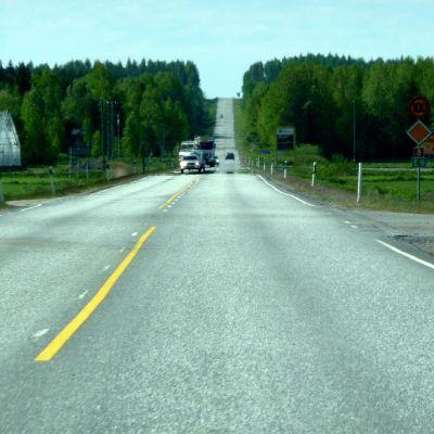 Riksväg 8