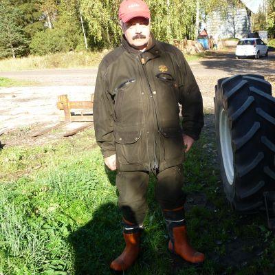 Stefan Thölix är jordbrukare i Tölby, Korsholm.