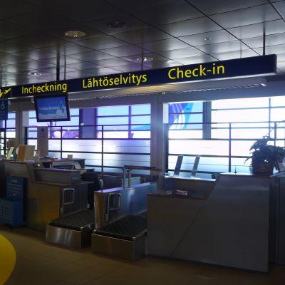 Check-in vid Kronoby flygplats