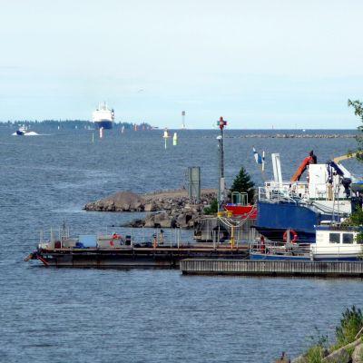 RG 1 på väg in mot Vasa hamn