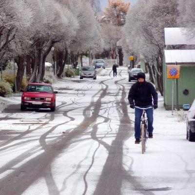 Snöig gata