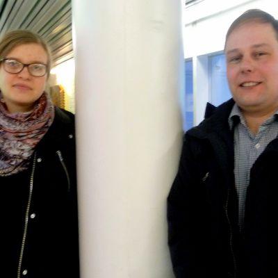 Malin Sunabacka och Rolf Sund är aktiva inom Röda Korset