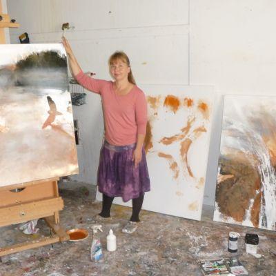 Kristina Isaksson är en av de deltagande konstnärerna i Konstrundan 2013.