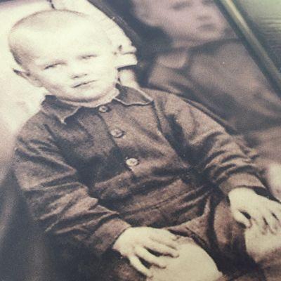 Leevi K. Laitinen pikkupoikana.