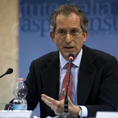 USA:s avgående EU-ambassadör Anthony L. Gardner under ett seminarium i Rom 2.12.2016
