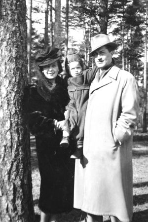 Eugenie, Marianne och Igor Verigin