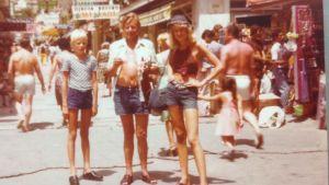 Ann-Sophie, Peter och pappa Sandström i Spanien.