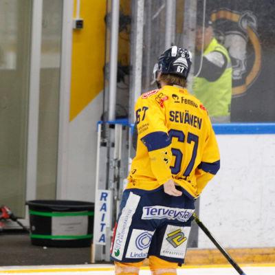 Roni Sevänen hade spelat klart redan i den tionde matchminuten.