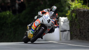 Ian Hutchinson on his way to victory in the Dainese Senior TT