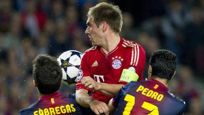 Hård kamp om bollen i semifinalen Bayern-Barcelona i maj 2013. 53c090d065726