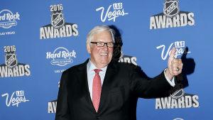 Las Vegas ägare Bill Foley har anställt en George McPhee som General Manager för det nya laget.