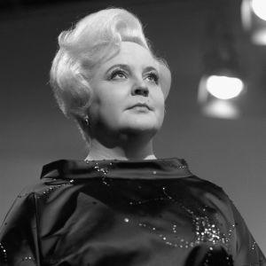 Oopperalaulaja Anita Välkki henkilökuvassa 10. helmikuuta 1964.