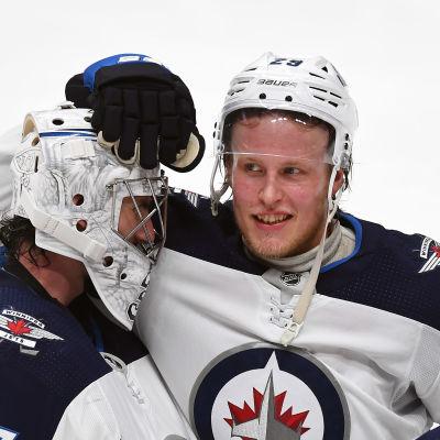 Laine kramar om målvakten Connor Hellebuyck