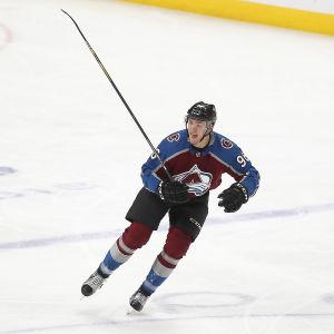Mikko Rantanen i Colorados hockeymatch.