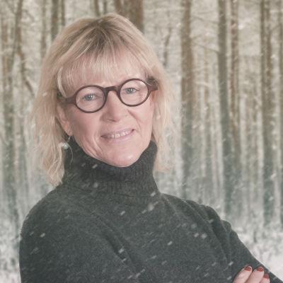 Anna Gullichsen på Vegas vinterpratare kollagebild mot snöig skogsbakgrund.