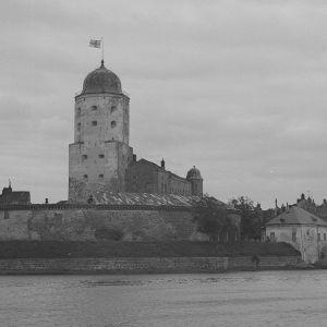 Viipurin linnassa liehuu Suomen lippu 18. kesäkuuta 1944.
